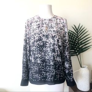 Vince camuto printed black and pink blouse